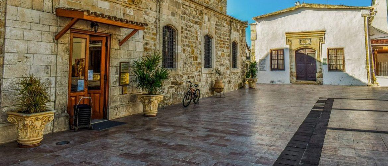 Правила получения статуса ВНЖ на Кипре